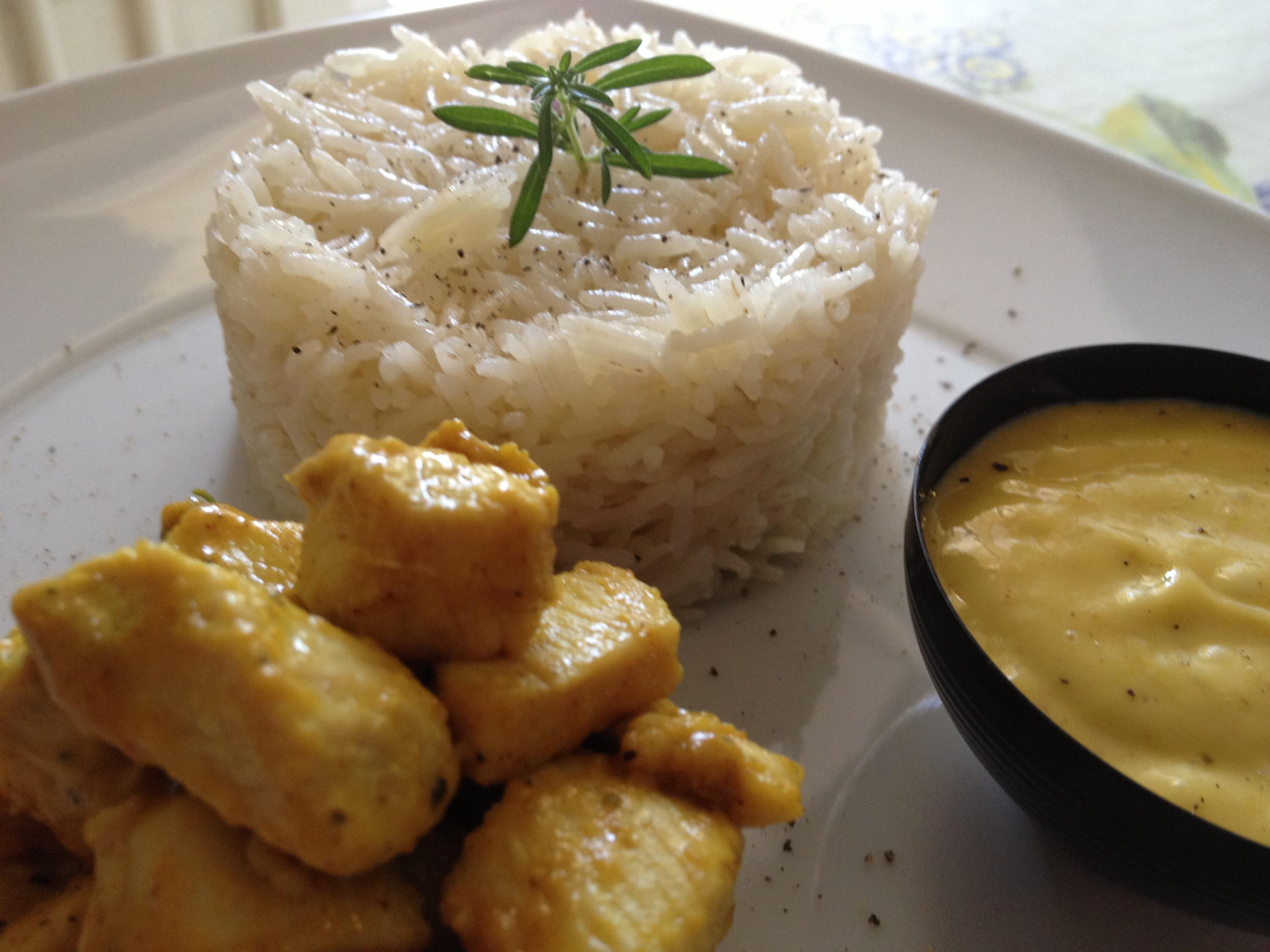 pollo al curry con riso basmati e salsa al mango